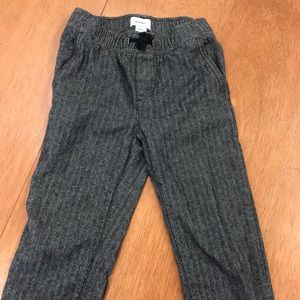 Old Navy boys gray tweed joggers, size 6-7